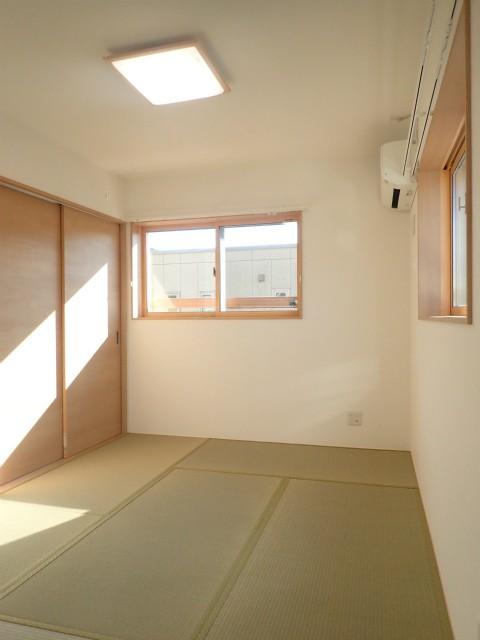 ベッドルーム事例:2階寝室(制震ユニット「MIRAIE(ミライエ)」採用の家)