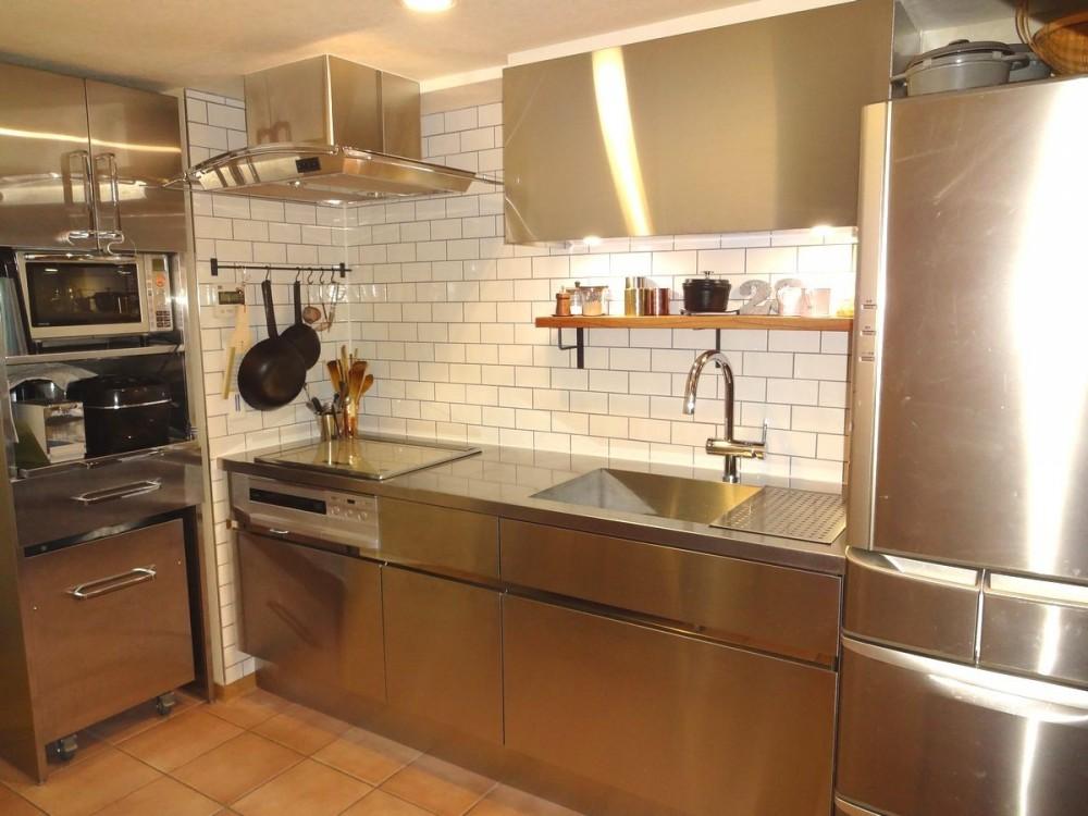 東京都目黒区K様邸 お施主様と実現する理想のキッチン (クールでありながら優しさのあるキッチン)