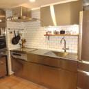 東京都目黒区K様邸 お施主様と実現する理想のキッチンの写真 クールでありながら優しさのあるキッチン