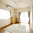 光と風をとり込んで ゆとりを楽しむ大人時間の写真 和室