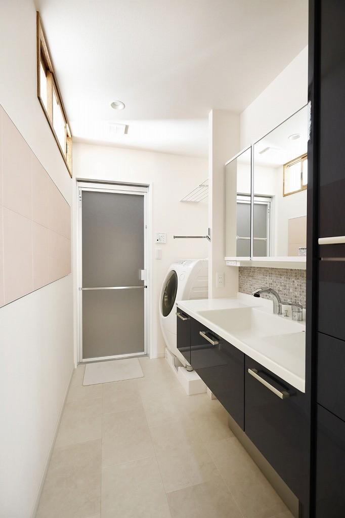 バス/トイレ事例:洗面(光と風をとり込んで ゆとりを楽しむ大人時間)