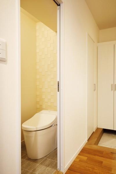 トイレ (光と風をとり込んで ゆとりを楽しむ大人時間)