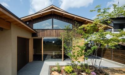 平屋のような佇まい|眺望とお庭を楽しむ|火のある暮らしを楽しむ住まい 天理の家
