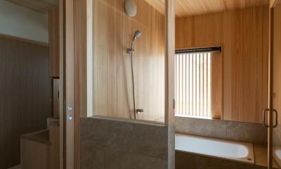 檜の浴室|眺望とお庭を楽しむ|火のある暮らしを楽しむ住まい 天理の家