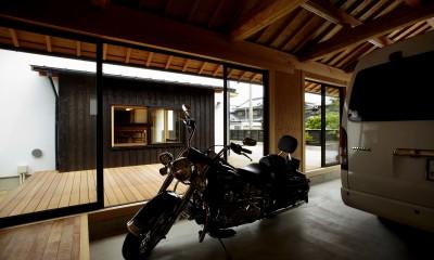 趣味を楽しむことができる離れ|ウッドデッキで繋がる空間|趣味を楽しむ住まい 姫路の家