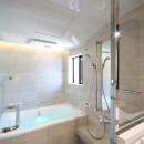 一戸建住宅デザインリフォーム ヘリンボーンスタイルの写真 バスルーム