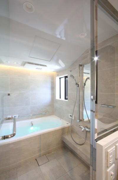 バスルーム (一戸建住宅デザインリフォーム ヘリンボーンスタイル)