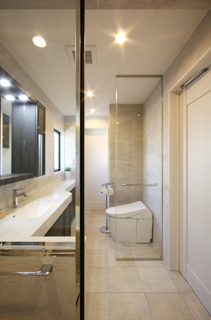 一戸建住宅デザインリフォーム ヘリンボーンスタイル (トイレ)