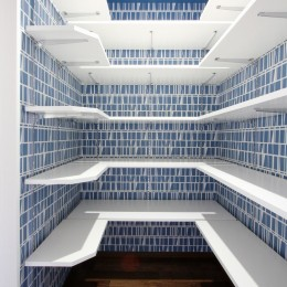 一戸建住宅デザインリフォーム ヘリンボーンスタイル (シューズインクロゼット)