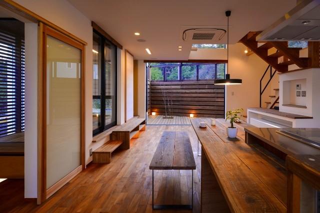 祐建築設計事務所「宝塚の家-private cafe-」
