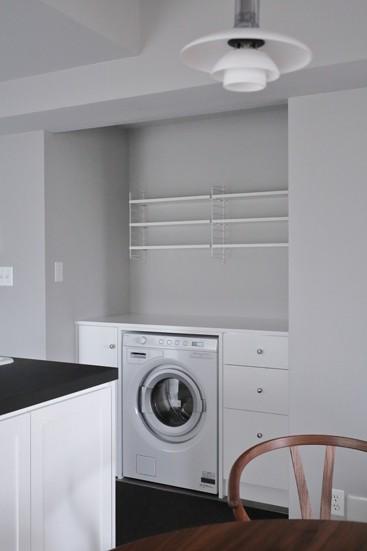 T邸 (洗濯機&ストリングシェルフ)