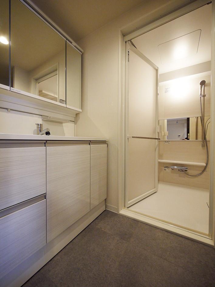 バス/トイレ事例:洗面・バスルーム(エコカラットリビング)