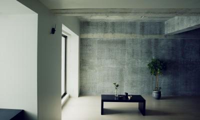 名古屋のアトリエ~マスキング塗装を施した既存コンクリート壁~