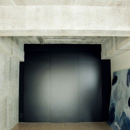 名古屋のアトリエ~マスキング塗装を施した既存コンクリート壁~ (アトリエ)