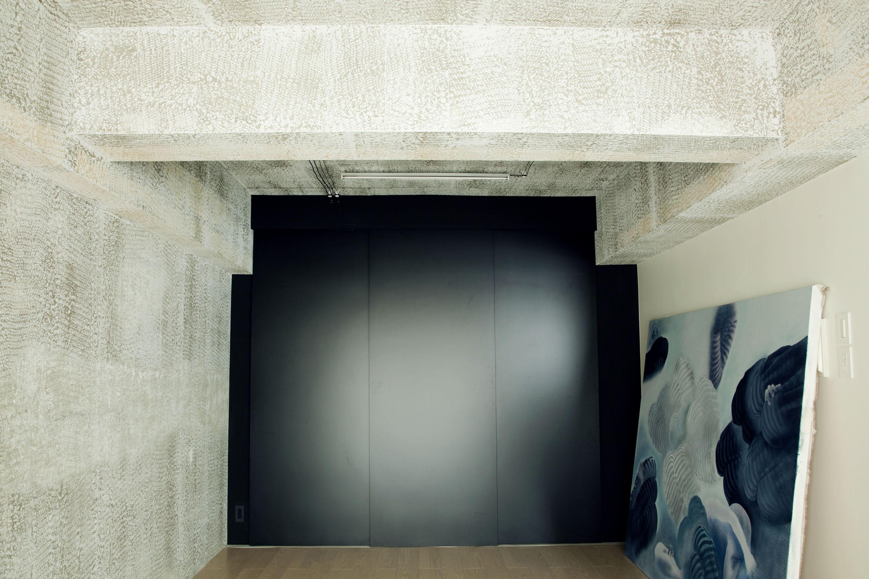 その他事例:アトリエ(名古屋のアトリエ~マスキング塗装を施した既存コンクリート壁~)