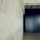 名古屋のアトリエ~マスキング塗装を施した既存コンクリート壁~の写真 アトリエの壁