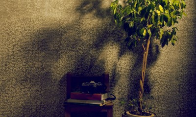 アトリエのワンシーン|名古屋のアトリエ~マスキング塗装を施した既存コンクリート壁~