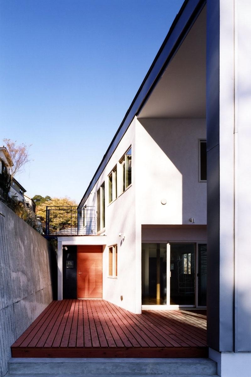 米村和夫「地平線の見える崖地の家」