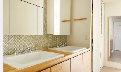 慌ただしさのなくなった洗面|ご実家の素敵な雰囲気を活かして、地方に暮らしながらリノベーション。
