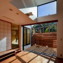 宝塚の家 リビングとウッドテラス