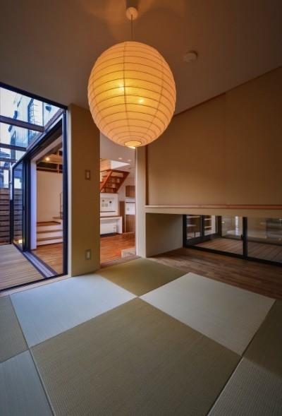 宝塚の家 和室とウッドテラス (宝塚の家-private cafe-)