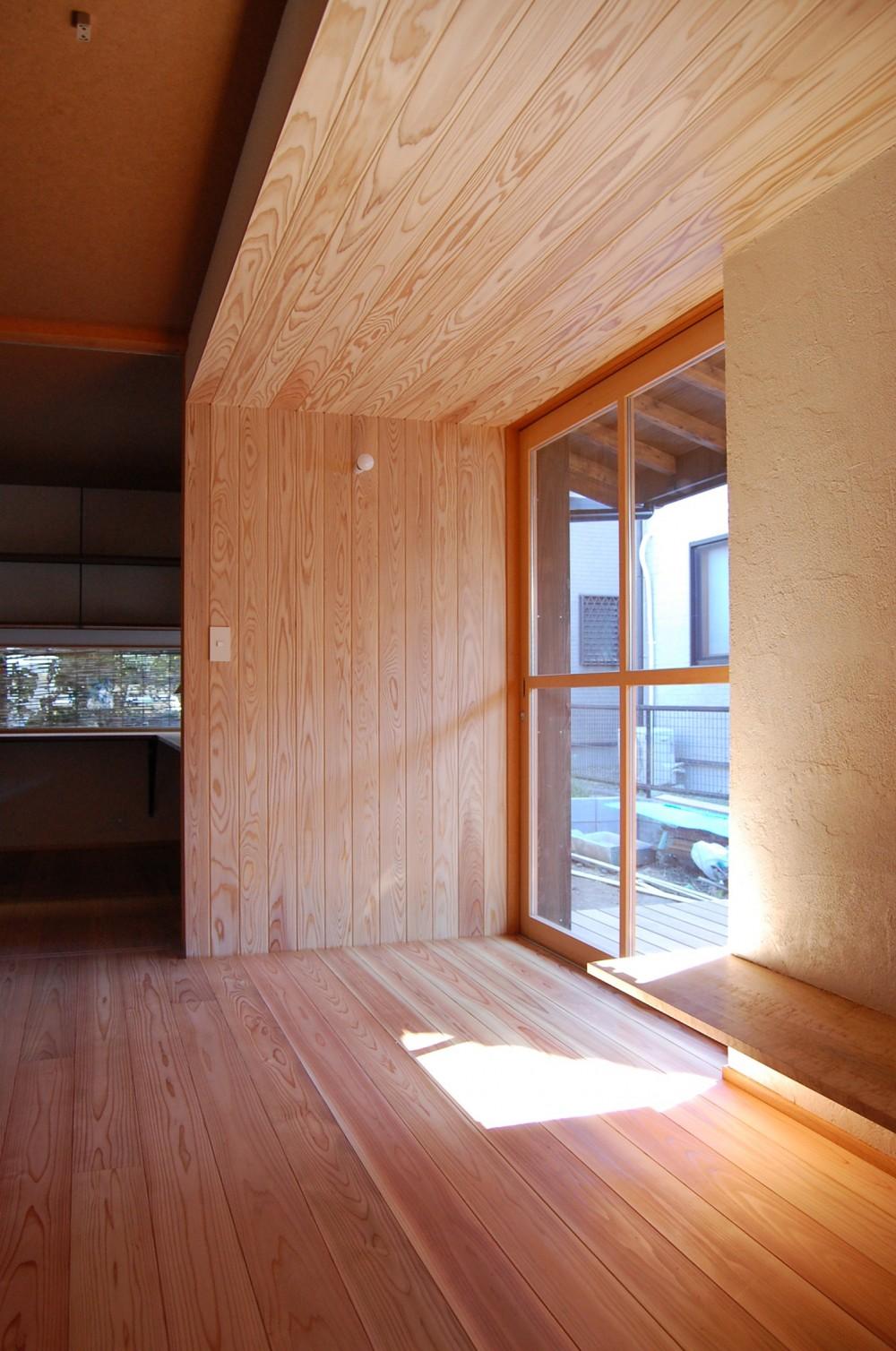 東の平屋 (居間)