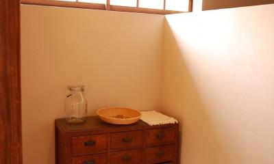 長良の家 (既存の窓を活かしたハイサイドライト)