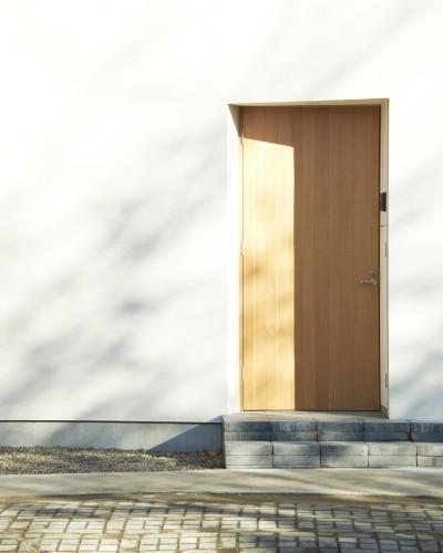 玄関扉 (木造町の離れ)