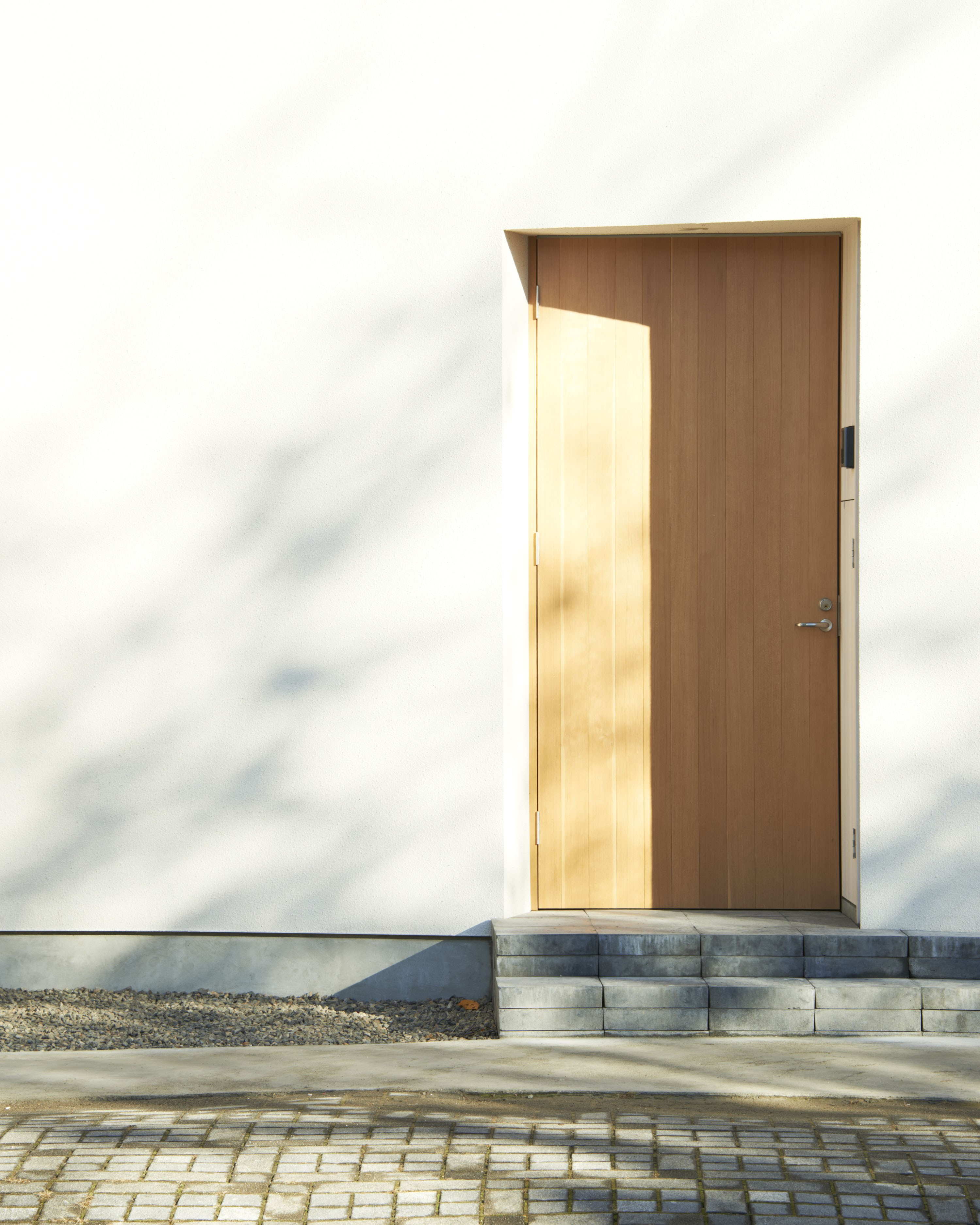 玄関事例:玄関扉(木造町の離れ)