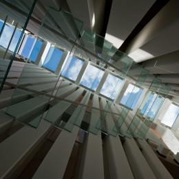 階段・吹抜 (西原の家)