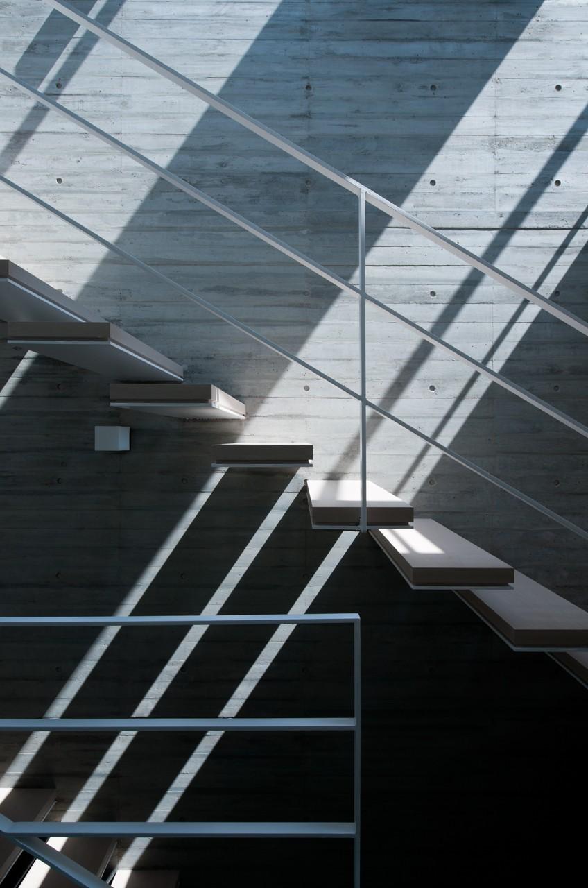 吉祥寺南町の家 (階段)