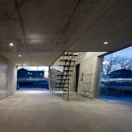 ピロティ・ガレージ (吉川の家)