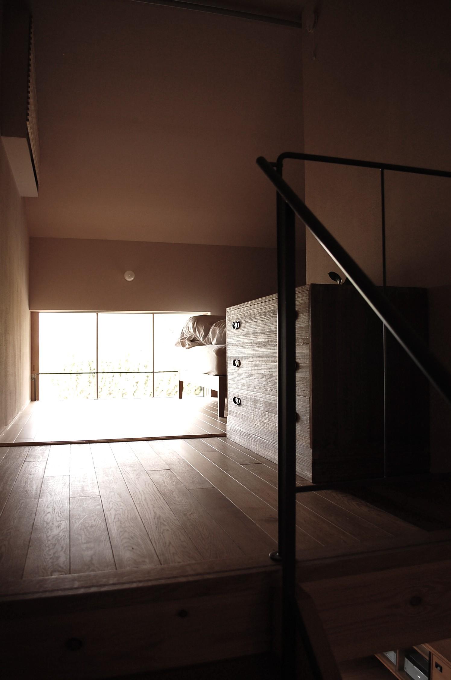 ベッドルーム事例:2.5階の寝室(加納の家)