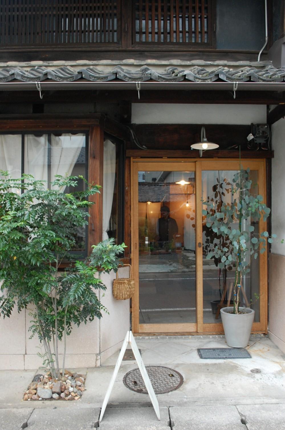入口 (円居)