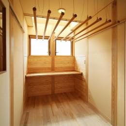 家事が楽な和みの木の家 (ランドリー家事室)