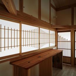 家事が楽な和みの木の家 (格子の廊下)