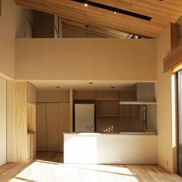 寿司店を営む木の家