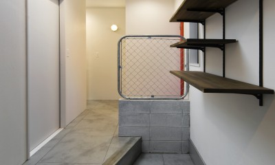 American garage (玄関と土間)