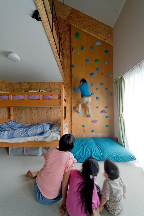 SCHOOL BUS|スクールバス空間設計「我が家が遊び場-PLAYGROUND-」