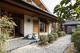 愛でる家 数寄屋風戸建て住宅のリノベーション【奈良市】 (外観)