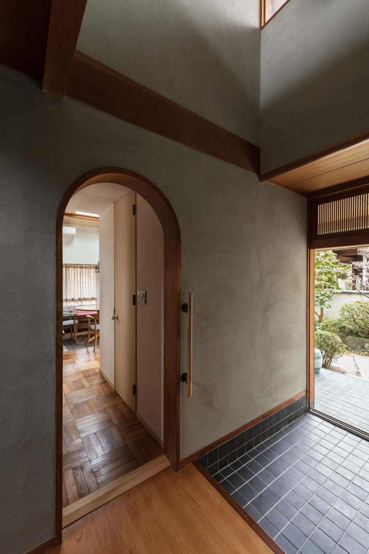 愛でる家|数寄屋風戸建て住宅のリノベーション【奈良市】 (玄関)