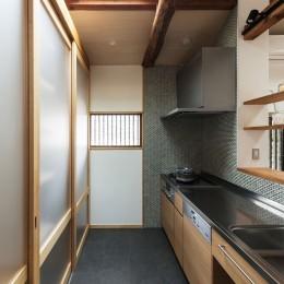 愛でる家|数寄屋風戸建て住宅のリノベーション【奈良市】 (キッチン)