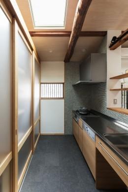 愛でる家 数寄屋風戸建て住宅のリノベーション【奈良市】 (キッチン)