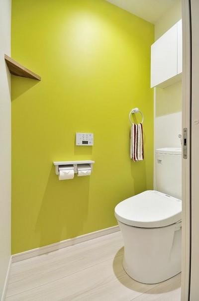 トイレ (カラフルポップが印象的新居)