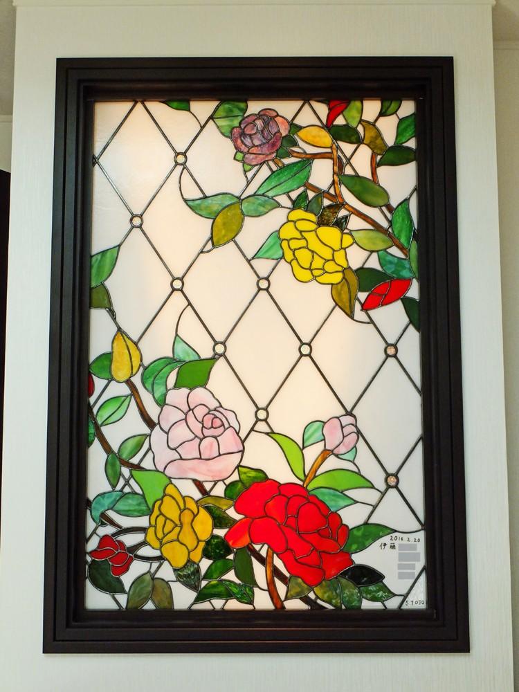 薔薇のステンドグラス (薔薇のステンドグラス、近景)