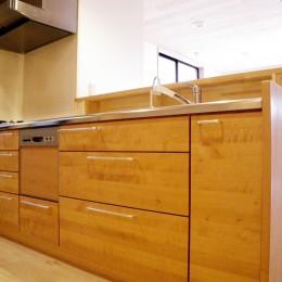 木の造作キッチン (自然素材の開放感リフォーム)
