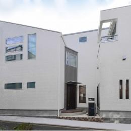 スキップフロア・蔵収納。デザイン住宅 神奈川 (外観)