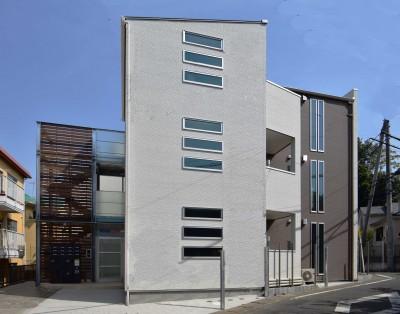 土地有効活用・デザイナーズ3階建て木造共同住宅 (オートロックエントランス・外観)