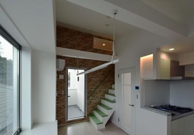 土地有効活用・デザイナーズ3階建て木造共同住宅 (ロフト付き賃貸住戸)