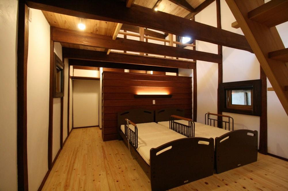 母屋と蔵を改装し三世代古民家へ (寝室)